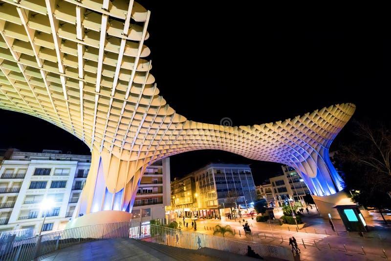 L'ESPAGNE - SÉVILLE : Vue de nuit de parasol de Metropol dans la plaza Encarnacion, province de l'Andalousie image stock