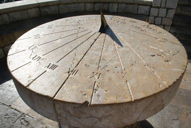 l'Espagne. Tarragona. Cadran solaire antique images libres de droits