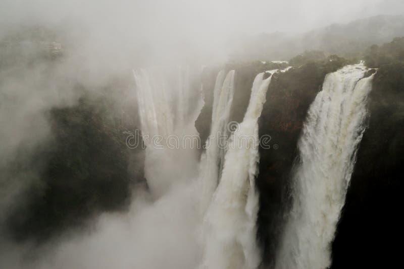 L'essai tombe, Gerosoppa tombe ou Joga tombe à la rivière de Sharavathi dans l'état de Karnataka d'Inde image stock