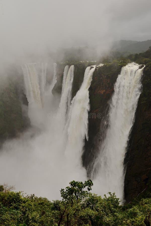 L'essai tombe, Gerosoppa tombe ou Joga tombe à la rivière de Sharavathi dans l'état de Karnataka d'Inde photographie stock