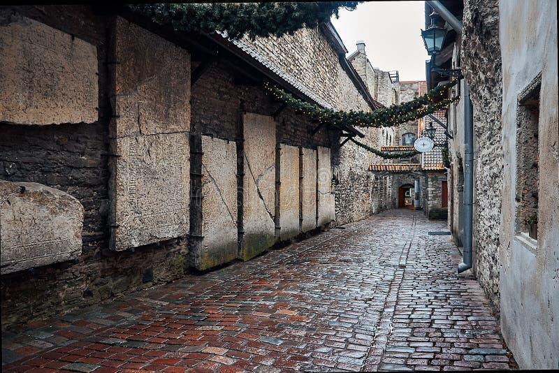 L'Estonia Vicolo Katarina in Città Vecchia di Tallinn 2 gennaio 2018 immagine stock libera da diritti