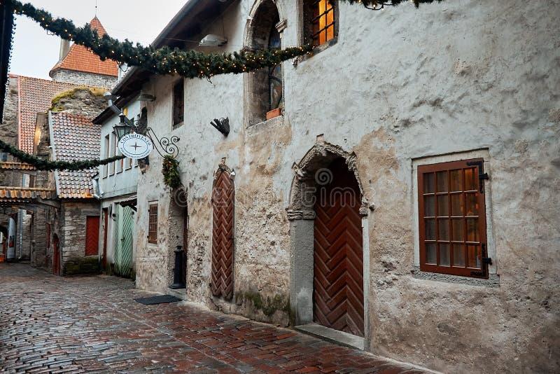 L'Estonia Vicolo Katarina in Città Vecchia di Tallinn 2 gennaio 2018 immagini stock