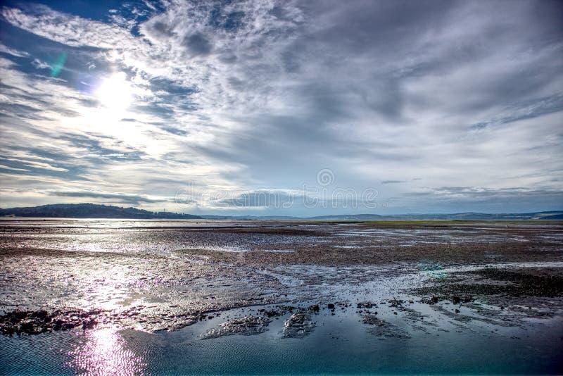 L'estuario di avanti a bassa marea in Scozia fotografia stock
