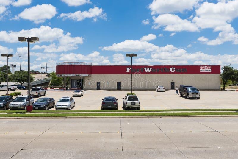 L'extérieur d'un magasin d'arme à feu dans la ville de Forth Worth, le Texas images libres de droits