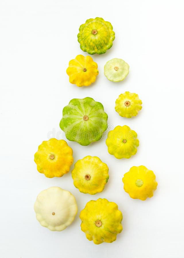 L?gume de courge Groupe de pattypan vert et jaune images libres de droits