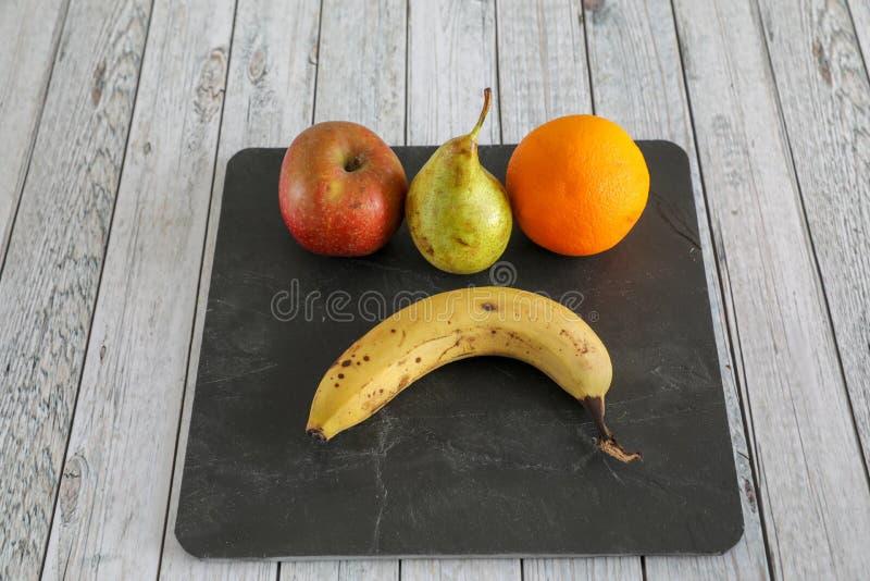 L?gumes frais sur la table en bois image libre de droits
