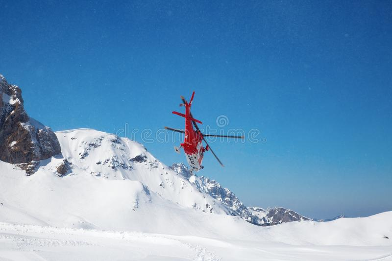 L'hélicoptère de délivrance images stock