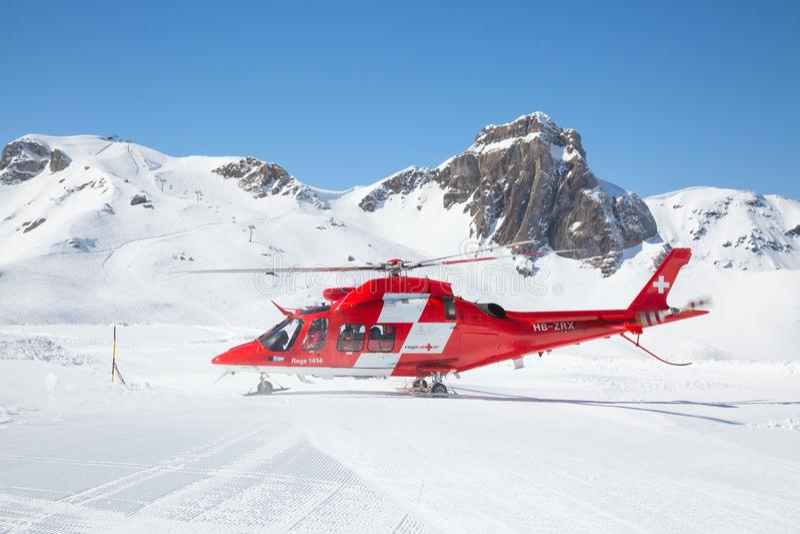 L'hélicoptère de délivrance photographie stock libre de droits