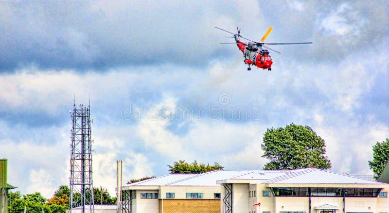 L'hélicoptère de Seaking décollent images stock
