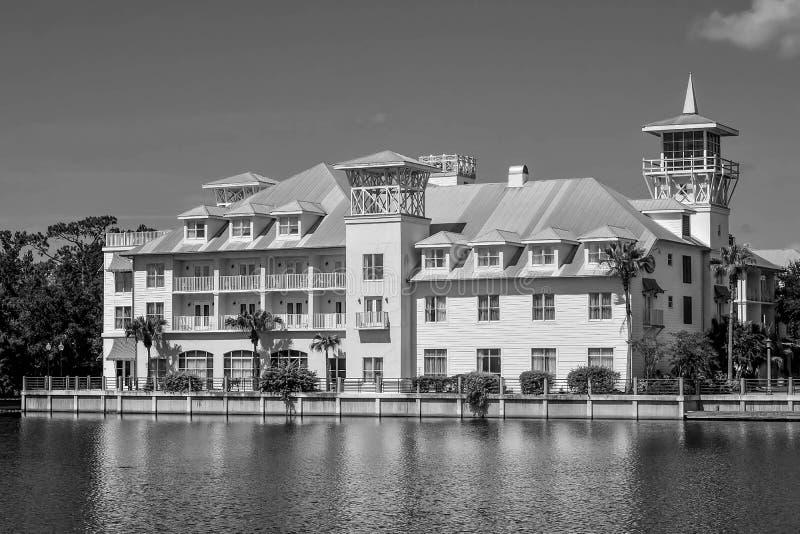 L'hôtel Bohemian Celebration Le lac perché dans la charmante ville de Celebration dans le quartier de Kissimmee photographie stock