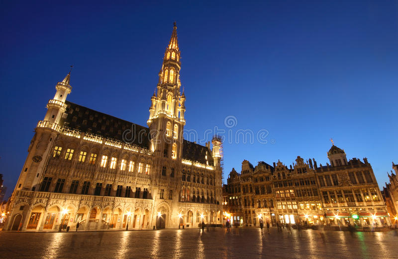 L'hôtel de ville de Bruxelles, Belgique (nuit tirée) images libres de droits