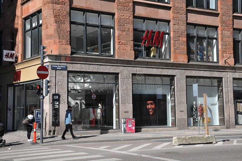 L'H&M dell'archivio di smerigliamento in Svezia è chiuso a causa di covid-19 fotografia stock libera da diritti