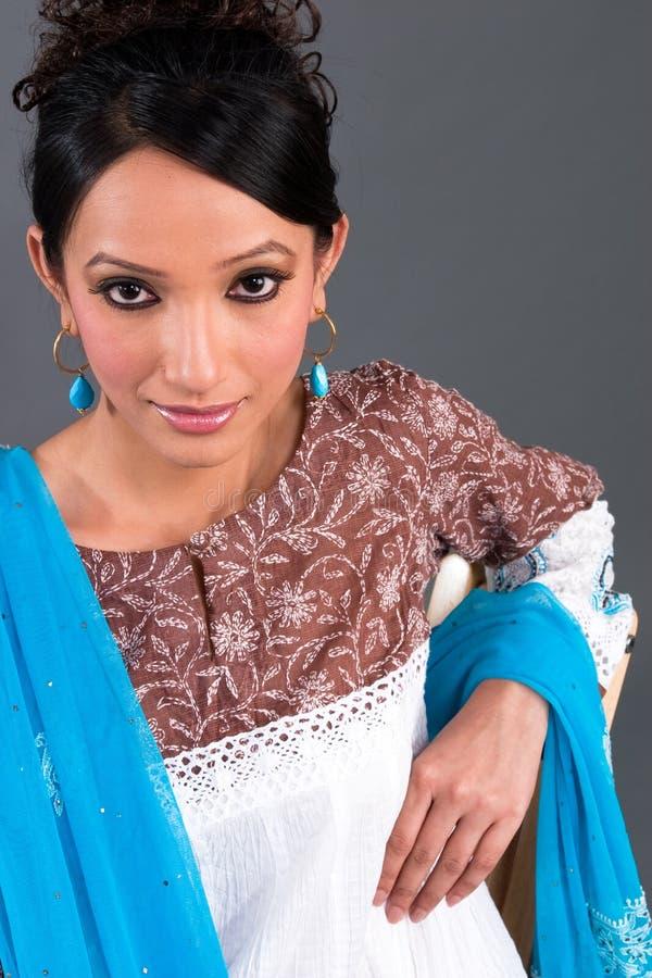 L'habillement des femmes brodées indiennes images libres de droits