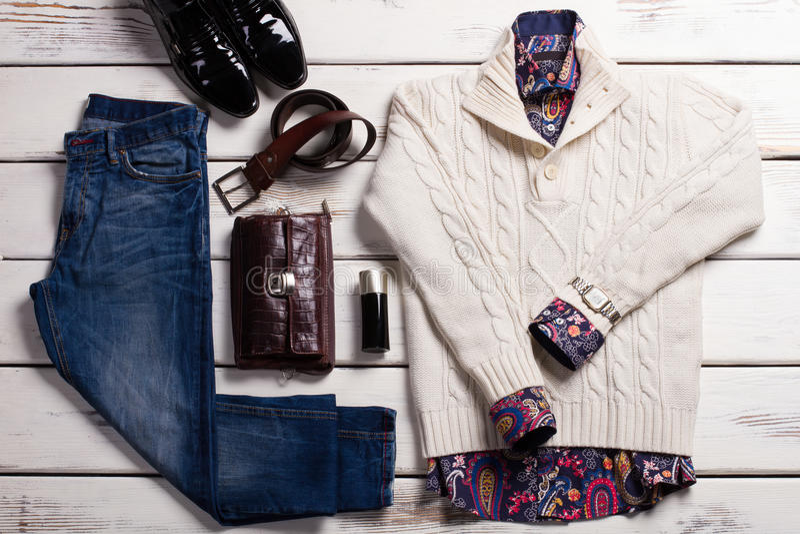L'habillement et les accessoires des hommes de qualité photos stock