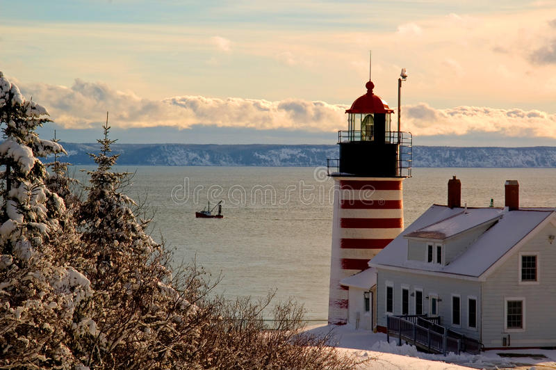 L'hiver au phare principal occidental de Quoddy photo libre de droits