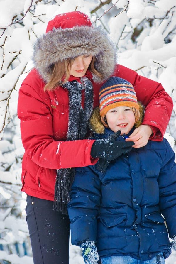 L'hiver. Condition parentale images stock