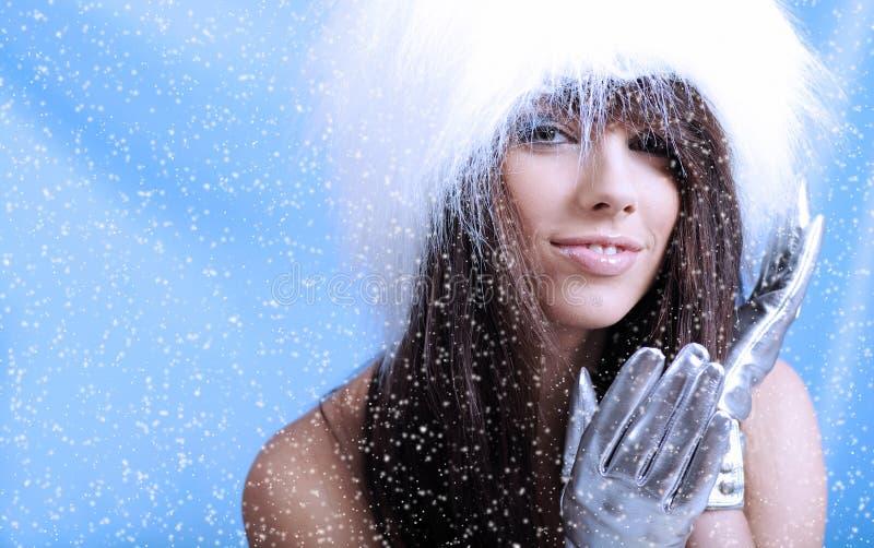 l'hiver de fille photos libres de droits