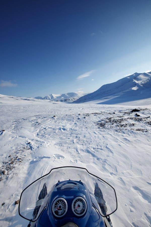 l'hiver de snowmobile d'horizontal photo libre de droits