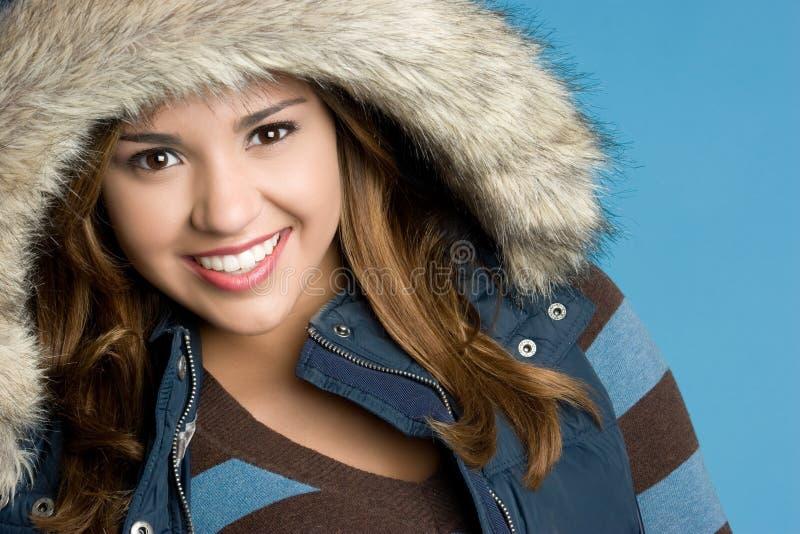 L'hiver de sourire de l'adolescence photo libre de droits