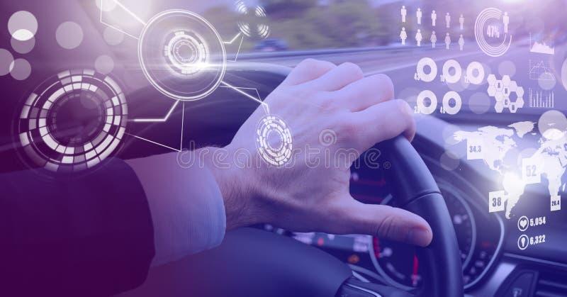 L'homme conduisant dans la voiture avec des têtes montrent l'interface photos libres de droits