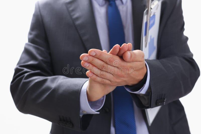 L'homme d'affaires applaudit lors d'un séminaire à photographie stock
