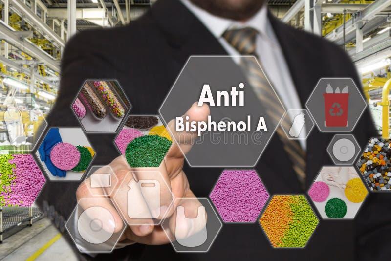 L'homme d'affaires choisit anti Bisphenol a sur l'écran virtuel dans la connexion réseau industrielle Le concept fait par la tare photographie stock