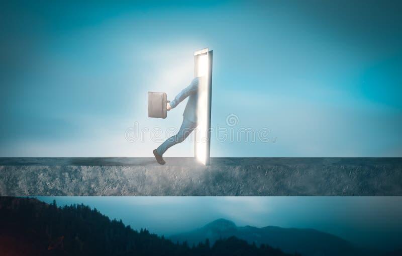 L'homme d'affaires passe par un portail de porte images stock