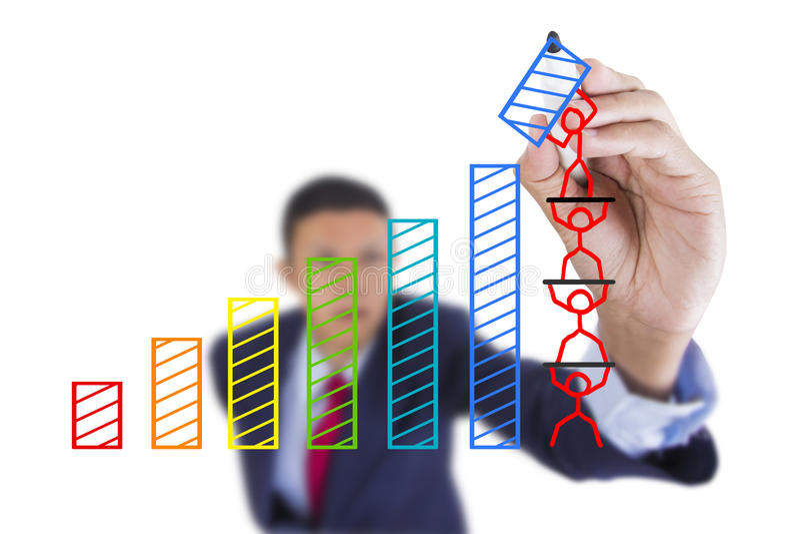 L'homme d'affaires recherchent et croissance de barre de graphique d'écriture photographie stock