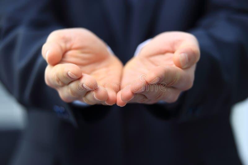 L'homme d'affaires vous donnent secret environ photo libre de droits
