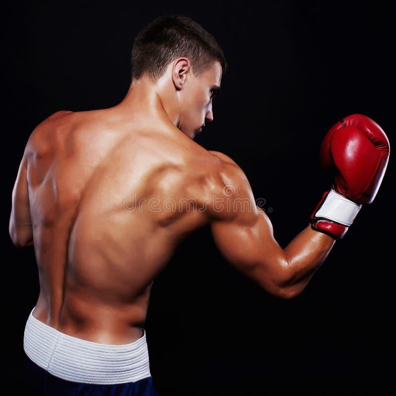 L'homme de boxeur combat images stock