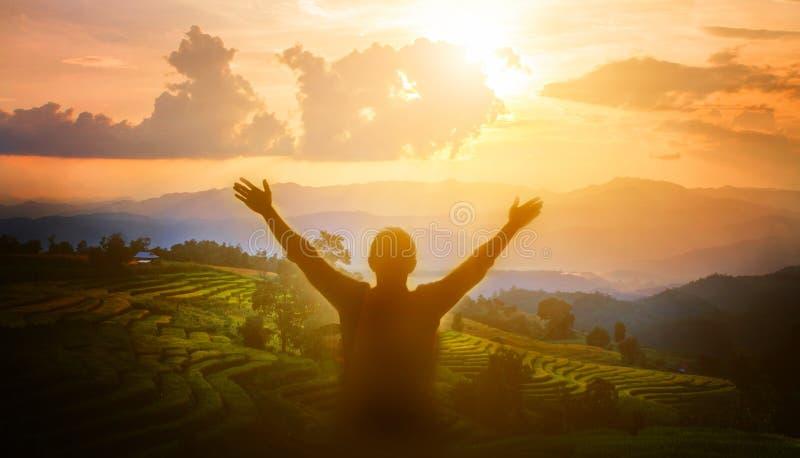 L'homme remercient Dieu image libre de droits