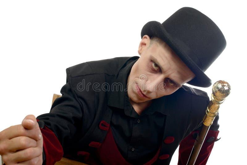 L'homme s'est habillé comme Dracula pour le Halloween photos libres de droits