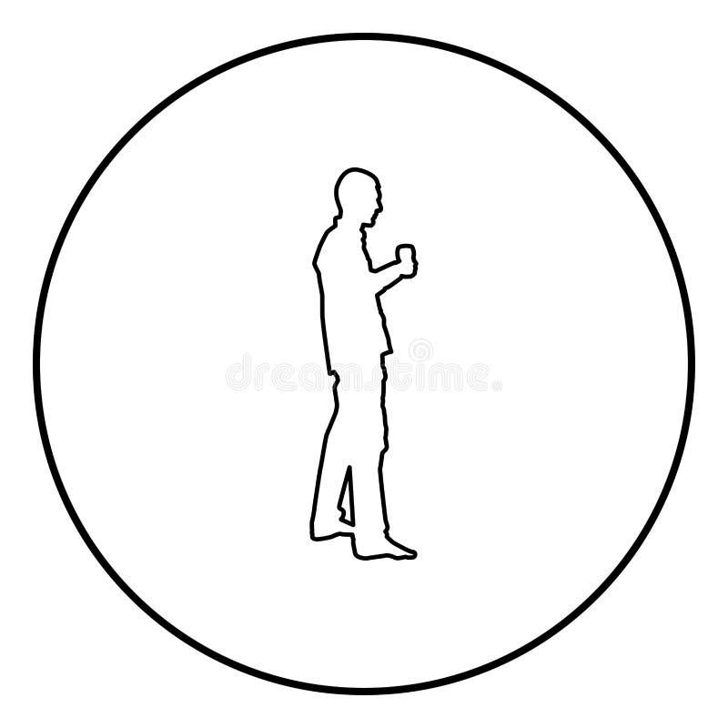 L'homme tient le verre disponible de vin environ pour faire pour griller le vecteur noir de couleur d'ensemble d'icône de concept illustration libre de droits