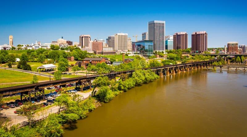 L'horizon et le James River à Richmond, la Virginie photographie stock
