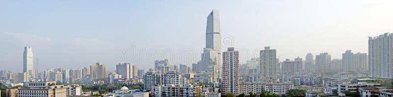L'horizontal de ville de Guangzhou dans la porcelaine image libre de droits