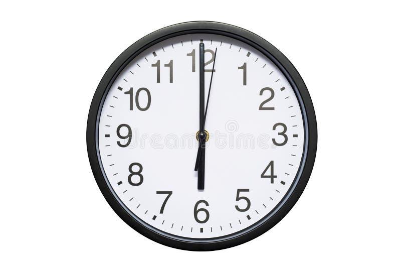 L'horloge murale montre à temps 6 heures sur le fond d'isolement blanc Horloge murale ronde - vue de face Dix-huit heures image stock