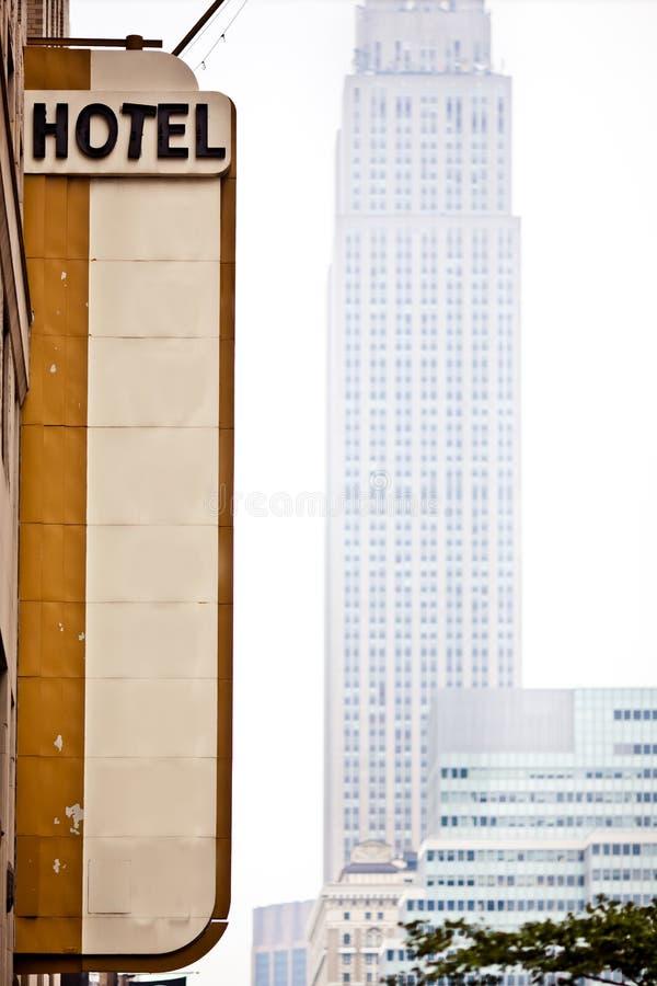 L'hotel in bianco firma dentro New York fotografia stock libera da diritti