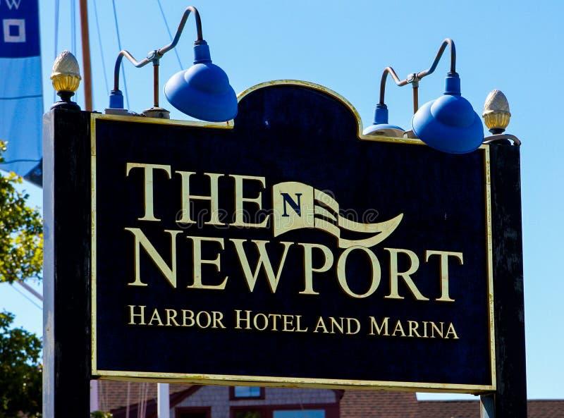 L'hotel del porto di Newport ed il porticciolo, Newport, RI immagini stock libere da diritti