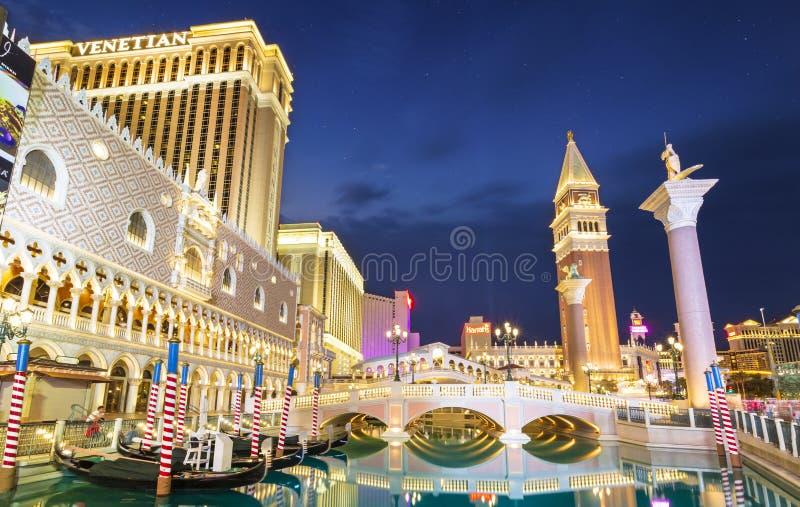 L'hotel ed il casinò veneziani alla notte, la striscia, Las Vegas Boulevard, Las Vegas, Nevada, Stati Uniti d'America immagine stock libera da diritti
