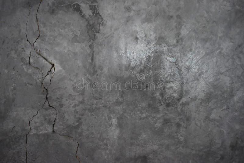 L'humidité excessive peut causer le mur de peinture de moule et d'épluchage tel que des fuites d'eau de pluie ou des fuites de l' image stock