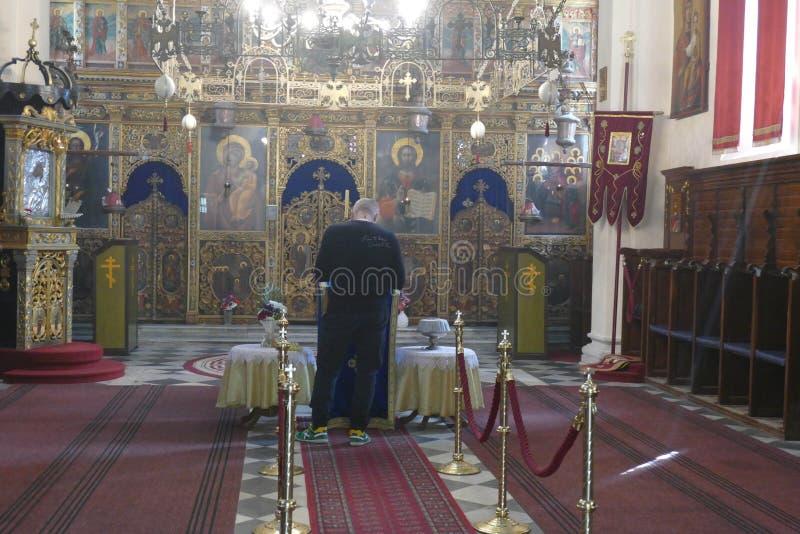 L'iconostase s?pare la nef de l'abside en monast?re de Savina Orthodox photo libre de droits