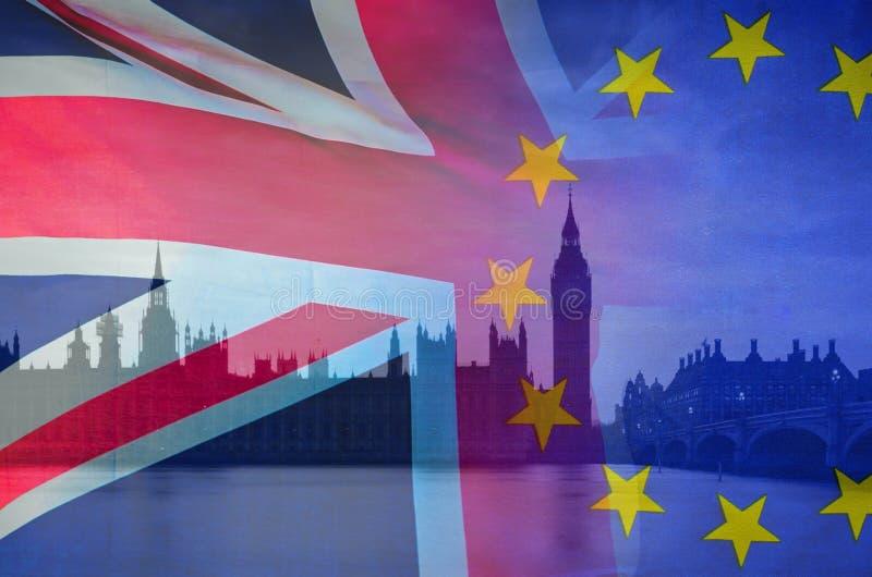 L'image conceptuelle de BREXIT de l'image de Londres et les drapeaux du R-U et de l'UE ont recouvert symboliser l'accord et l'aff photos libres de droits