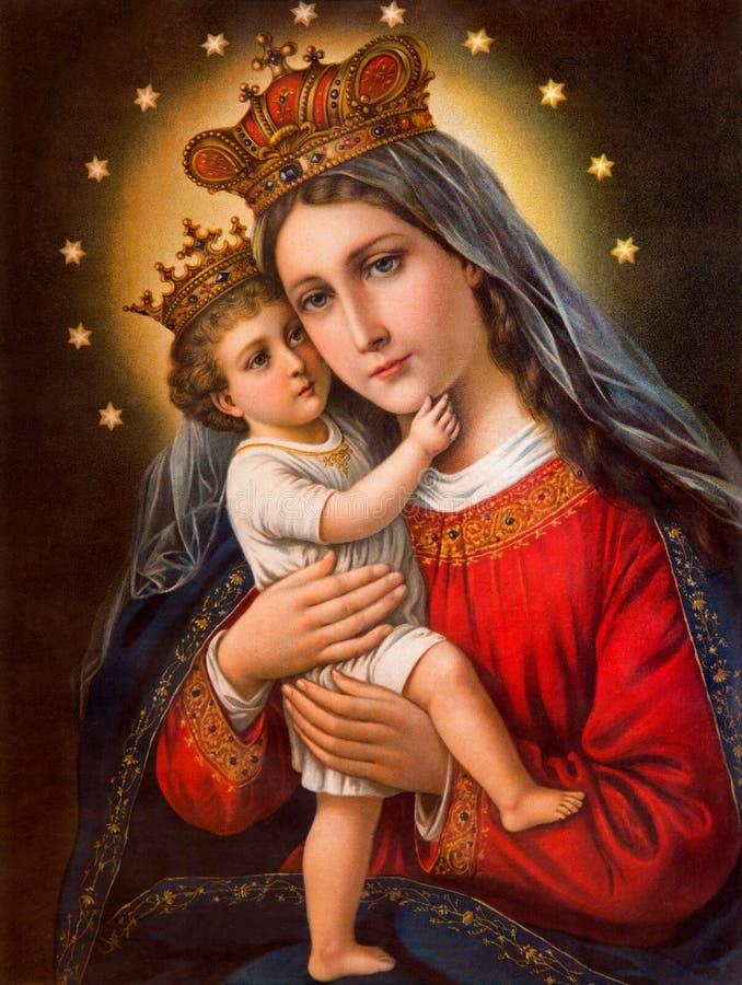 L'immagine cattolica tipica di Madonna con il bambino ha stampato in Germania dalla conclusione di 19 centesimo fotografie stock libere da diritti