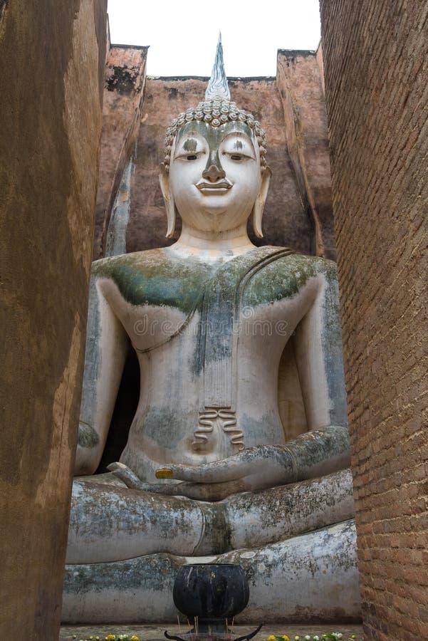 L'immagine di Buddha in tempio di Wat Sri Chum a Sukhothai storico fotografia stock libera da diritti