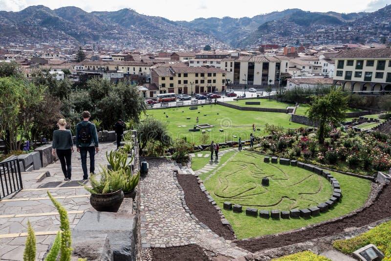 L'Inca reste ? l'int?rieur du couvent de Santo Domingo ou de Qorikancha Mus?e dans Cuzco images stock