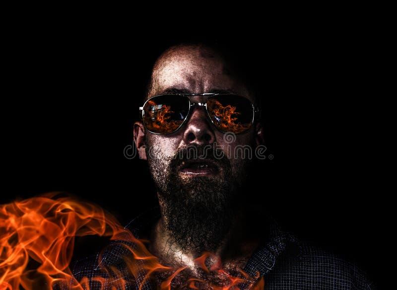L'incendiaire dans l'action photo libre de droits