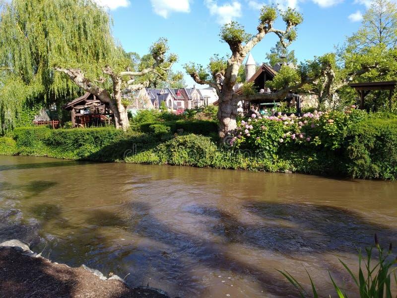 L'incrocio di fiume pittoresco il parco di europa, ruggine fotografie stock