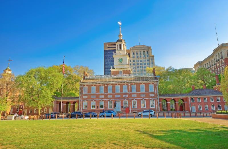 L'indépendance Hall sur la rue de châtaigne de la PA de Philadelphie images stock
