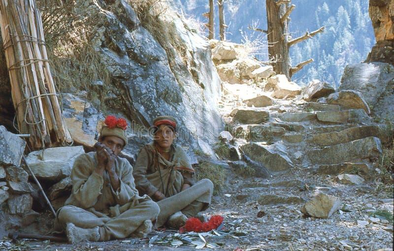 1977 l'Inde Un couple local a un repos image stock