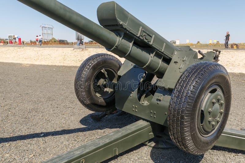 122 l'index soviétique 2A18 de l'obusier D-30A GRAU de millimètre est un obusier soviétique qui est entré dans la première fois l images stock